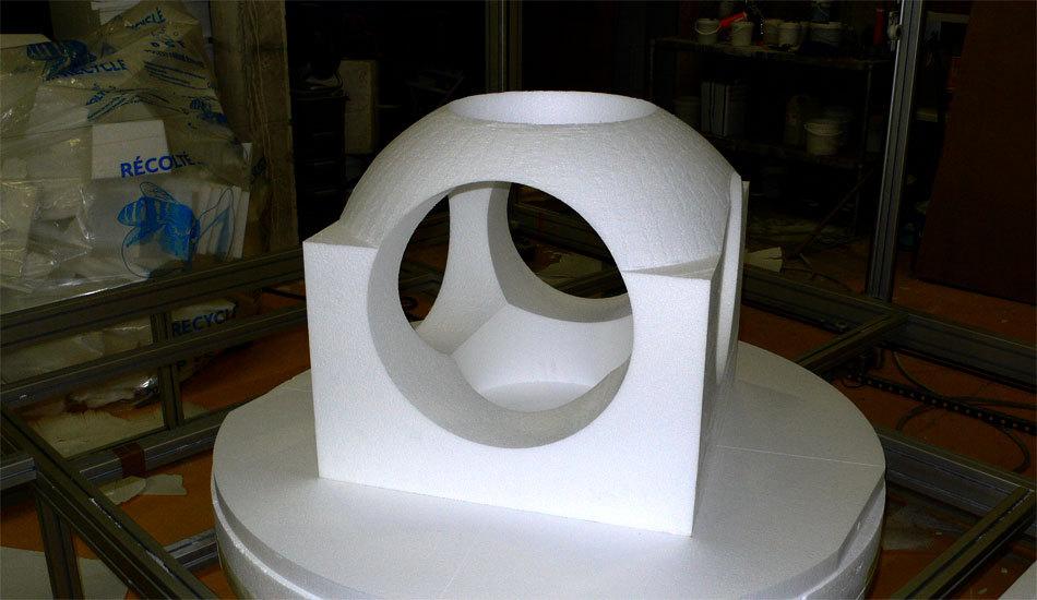 Le sculpteur Yom de Saint Phalle à l'atelier NC Décor à Château Thierry